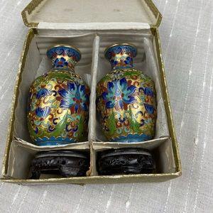 """Vintage Pair Chinese Jingfa Cloisonné 6"""" Vase Set"""